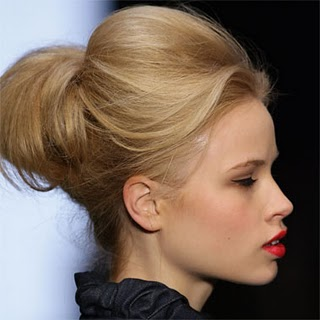 Hairstyles For Short Hair In Ponytail : celebrity_ponytail_hairstyles_pictures_2010-ponytail-hairstyle-for ...