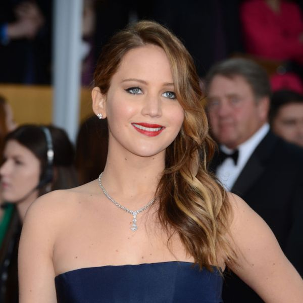 jennifer-lawrence-beauty-sag-awards-w724