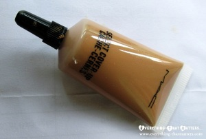 MAC+Select+Cover+Up+Concealer+Swatch+Review (2)
